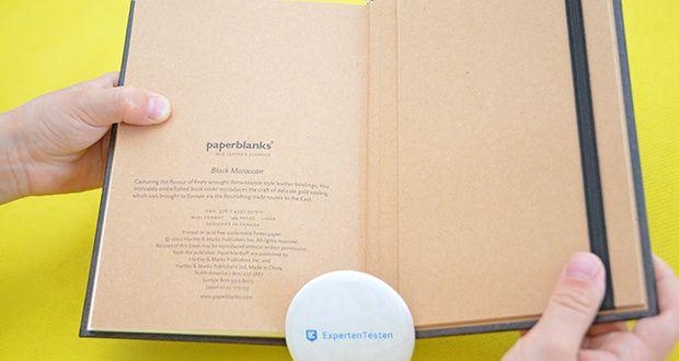 Paperblanks Faux Leder Notizbuch im Test - das hintere Vorsatzblatt enthält Namensnennungen und Urheberrechtsinformationen sowie eine Erläuterung zum faszinierenden historischen Hintergrund des Originalkunstwerks