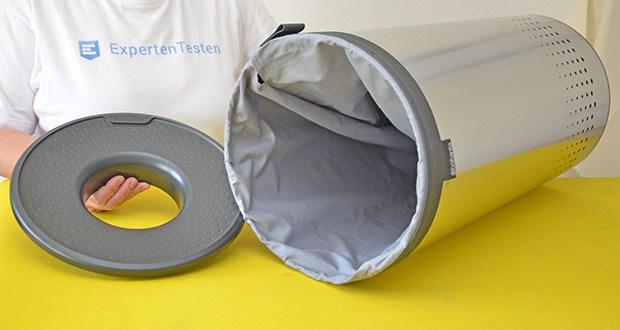 Brabantia Wäschebox 35L im Test - das Loch zum Einwerfen hat einen Durchmesser von 12,5 cm
