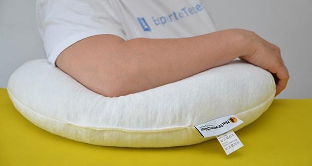 Nachtwaechter Kuschelweiches Reise- und Knie-Kissen PAUL im Test - klein im Packmaß, groß im Kuschel-Komfort
