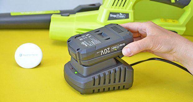 SnapFresh Akku Laubbläser im Test - mit einem 2,0Ah Lithium-Akku und einem Schnellladegerät ausgestattet