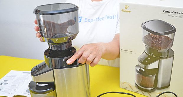 Elektrische Kaffeemühle mit Edelstahlgehäuse im Test - Kegelmahlwerk mit abnehmbaren Trichter zur besseren Reinigung
