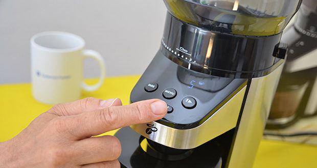 Elektrische Kaffeemühle mit Edelstahlgehäuse im Test - Kaffee mahlen nach Anzahl der Tassen