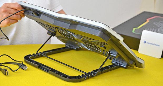 KLIM Ultimate Laptop-RGB-Kühler im Test - mit den Stützen an der Unterseite kannst Du zwischen 4 verschiedenen Neigungen wählen