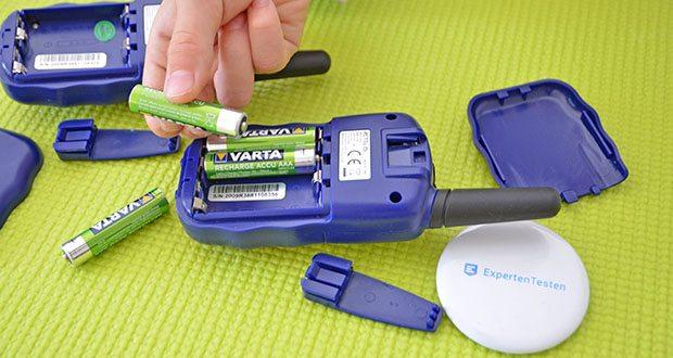 Retevis RT388 Walkie Talkie im Test - verwenden Sie 4 AAA Batterien (nicht im Lieferumfang enthalten)