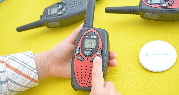 Retevis RT628 Kinder Walkie Talkie im Test - das LCD-Display kann deutlich erkennen, welche Funktion Sie eingerichtet haben