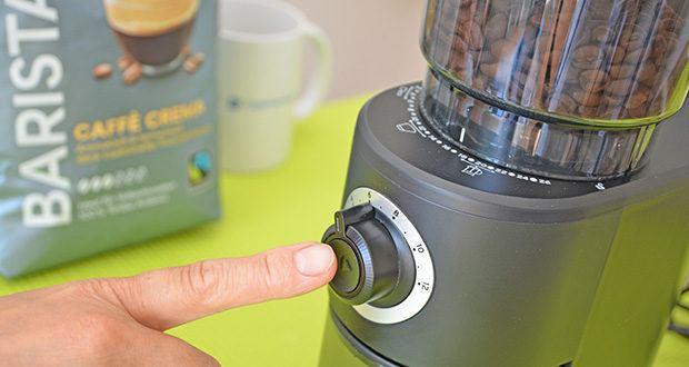 Tchibo Elektrische Kaffeemühle Einsteigermodell im Test - drücken Sie anschließend die Start-Taste. Die Kaffeemühle mahlt die Kaffeebohnen