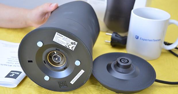 Tchibo Elektrischer Milchaufschäumer schwarz im Test - kabelloser Behälter: frei auf der Basis drehbar