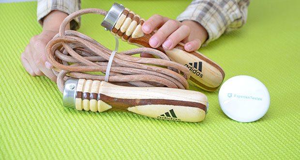 adidas Pro Springseil im Test - beschwerter Holzgriff