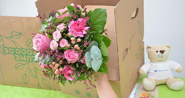 Blume2000 Blumenstrauß Schön, dass es Dich gibt im Test - Blumensorten: Johanniskraut, Nelken, Rosen, Pistazie, Eukalyptus, Wachsflower, Salal