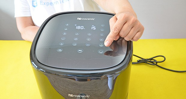 Proscenic T22 Heißluftfritteuse im Test - alle Funktionen sind in einem großen LED-Display zusammengefasst