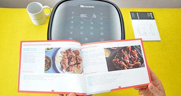 Proscenic T22 Heißluftfritteuse im Test - es gibt 11 voreingestellte Rezepte auf dem Bedienfeld, darunter gebratenes Steak, Hühnerfleisch, Pommes frites, Dessert, Brot, Grill und andere Rezepte