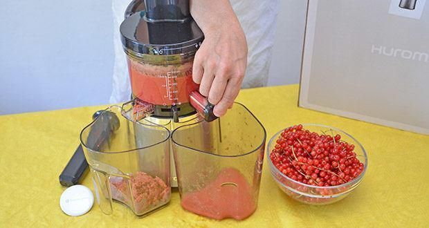 Hurom Slow Juicer S13 im Test - werden unterschiedliche Obst- und Gemüsesorten eingefüllt, mischt sie der rotierende Rührer konstant und gleichmäßig durch, sodass Sie den vollen Geschmack des Saftes genießen können