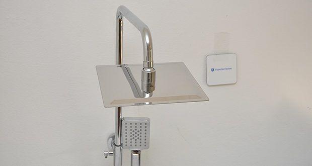 Elbe Duschsystem mit quadratischem Duschkopf im Test - die Oberfläche des Duschsystems ist verchromt, was nicht nur optisch gut aussieht, sondern auch eine gute Korrosionsbeständigkeit aufweist